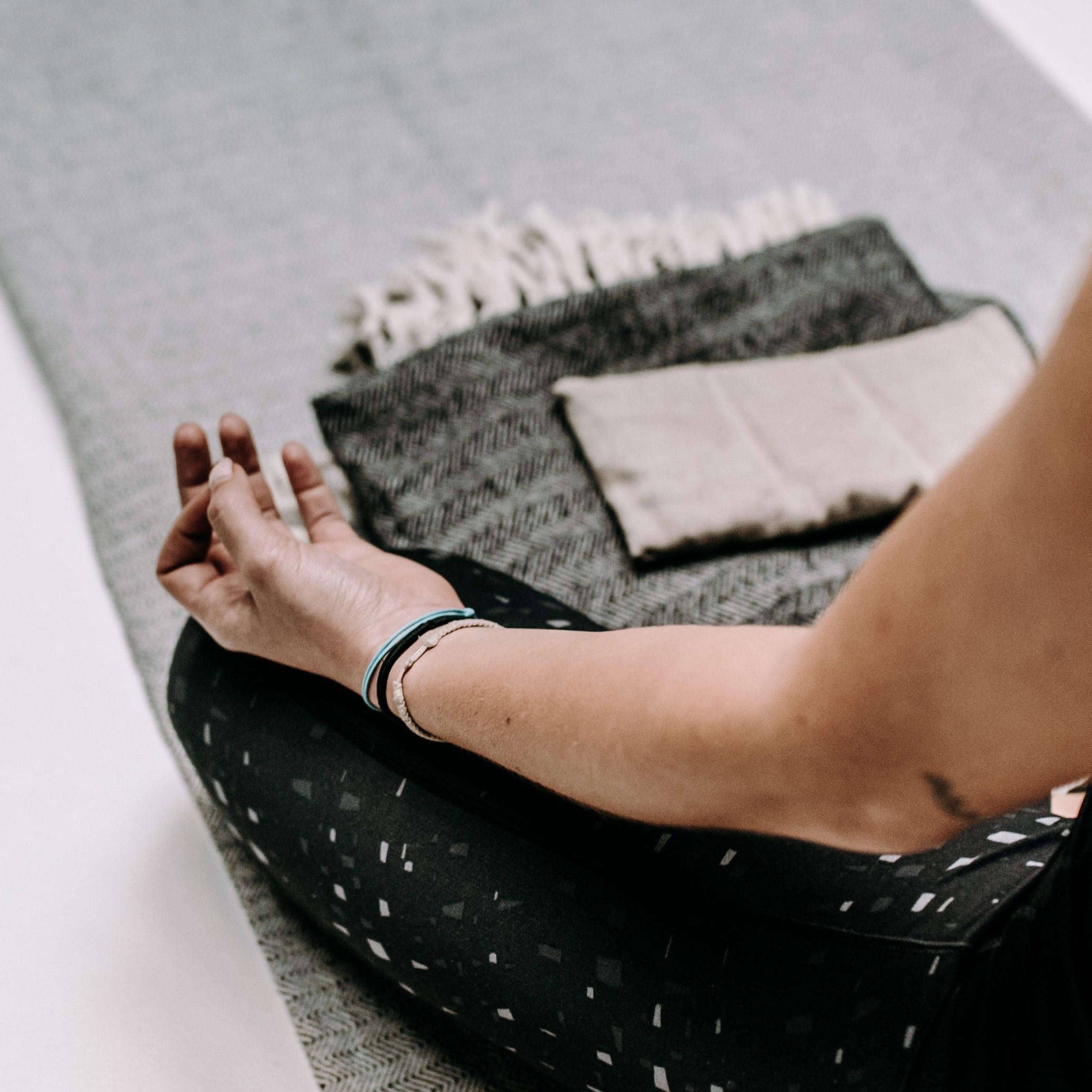 yoga handen