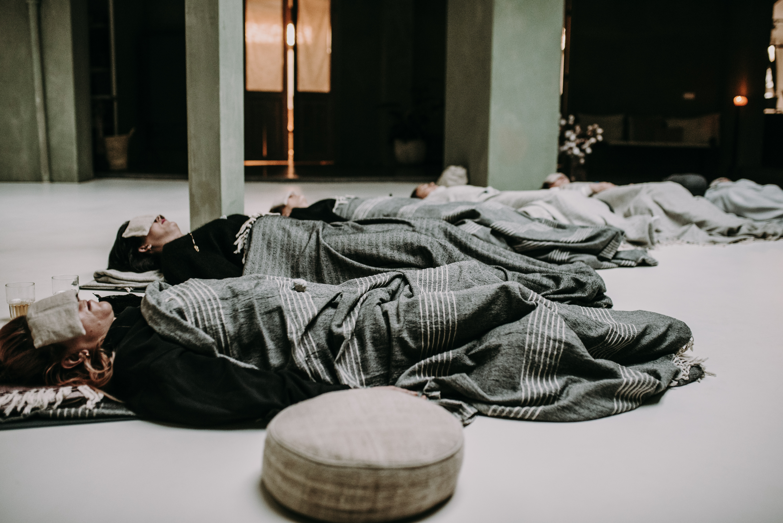 slapend met yoga nidra